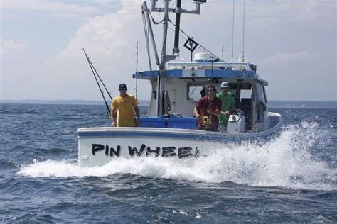 wicked tuna boat rescues 2 as miss sambvca sinks