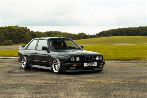 Bmw M3 E30 Audi Rs2 by Bmw M3 E30 Audi Rs2 Duo V I P Chez Les Youngtimers