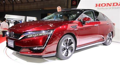 Honda Starts Selling Clarity Fuel Cell Hydrogen-powered