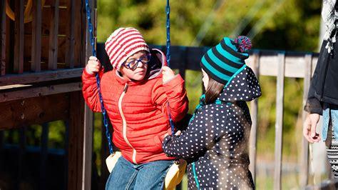 Kids with disability: play & friendship | Raising Children ...