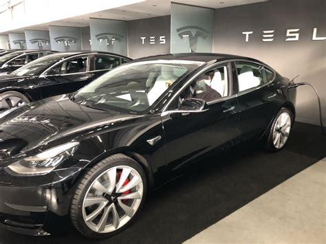Download Tesla 3 2019 Review Gif