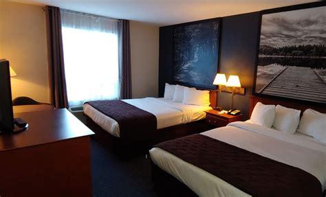 forfait motoneige hotel super  sainte agathe des monts