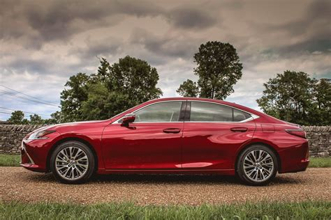 2019 Lexus Es First Drive Review Better In All Key Ways