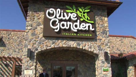 Olive Garden Independence Missouri by The Trend Continues Officer Denied Service At