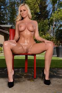 Great Looking Blonde Is Spreading Her Legs Photos Alena