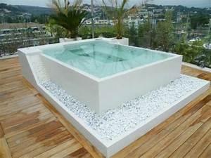 Cooler whirlpool jacuzzi auswahlen und kaufen vor und for Whirlpool garten mit tauben abwehren balkon