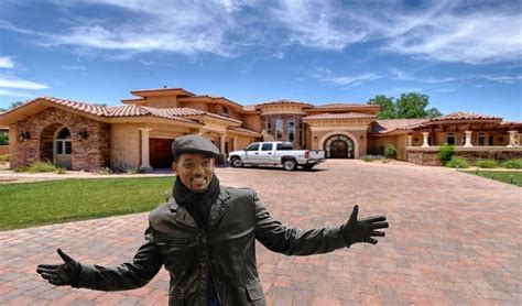 10 Celebrity Homes That Are Too Beautiful To Be True