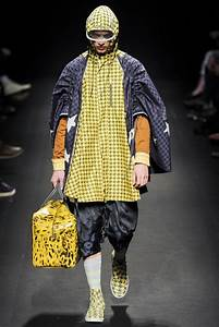 Glamour and Modern Gypsy Style in Vivienne Westwood Fall ...