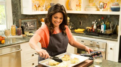 the kitchen tv show valerie s home cooking valerie bertinelli returns to food