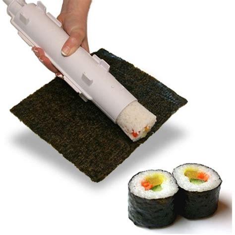 un ustensile pour faire des sushis et des makis maison