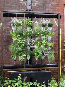Vertical Garden DIY Project for the Beautiful and Affordable Garden