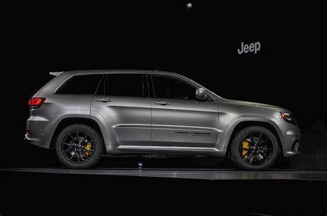 cars jeep grand cherokee jeep grand cherokee trackhawk video preview news about