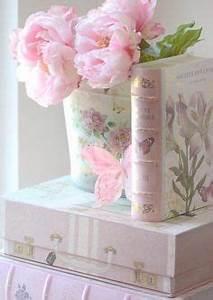 quaint rose cottage pinterest decor pour chambre de With chambre bébé design avec bouquet de fleurs pour mariage civil