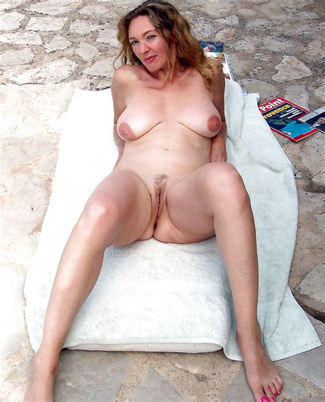 Lovely Mature Amateur Women In Their 30s 40s 50s 60s