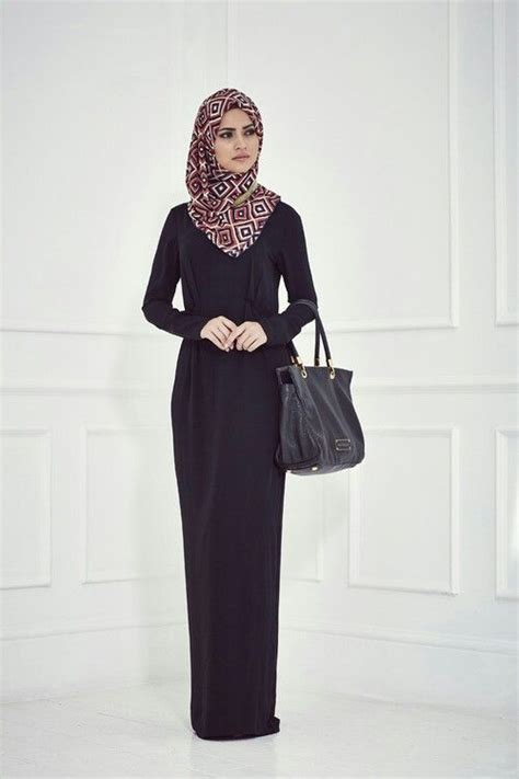 Simple elegant and classy hijab outfit | Abaya designs | Pinterest | Long sleeve maxi Muslim ...