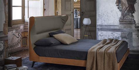 Poltrona Letto Vanity Prezzo : Letto Mamy Blue Di Poltrona Frau Design Roberto Lazzeroni
