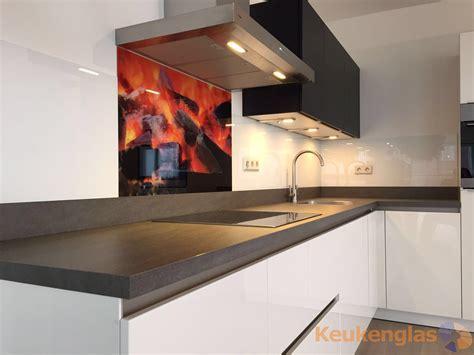 Achterkant Keuken by Spatwand Open Haard Keukenglas