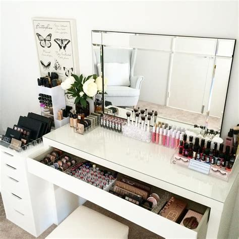 bureau maquillage rangement maquillage makeup organization