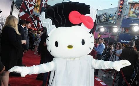 kitty cosplayed bride  frankenstein  universal