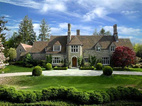 elegant  english manor  pricey pads