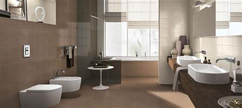 Collezione Line: Rivestimenti in pasta bianca per bagno