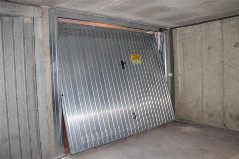 Coibentare Porta Garage by Porte Basculanti Per Garage Bertuzzi