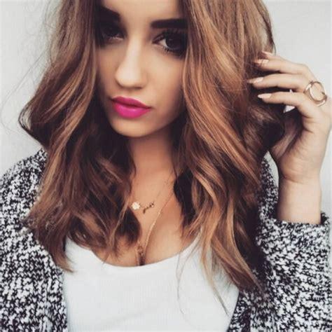 Medium Wavy Hairstyles by 16 Flattering Medium Hairstyles For 2019 Pretty Designs