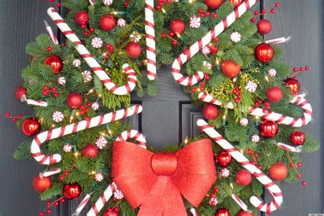 christmas craft idea a candy cane wreath that ll make your door dazzle photo huffpost