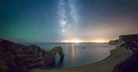 stunning  show amazing portal   moon stars