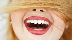 Weiße Zähne Hausmittel : z hne putzen mit natron gute oder schlechte idee ~ Frokenaadalensverden.com Haus und Dekorationen