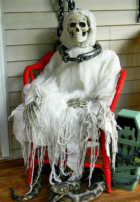 scary decorations for 11 awesome and scary ghost decorations