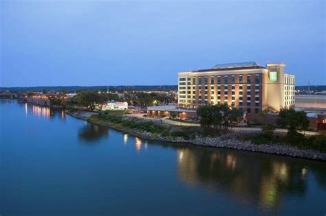 Review of 60% [OFF] Embassy Suites East Peoria Hotel And Riverfront