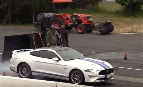 2018 Ford Mustang Gt Vs. Mustang Shelby Gt350 Drag Race Is