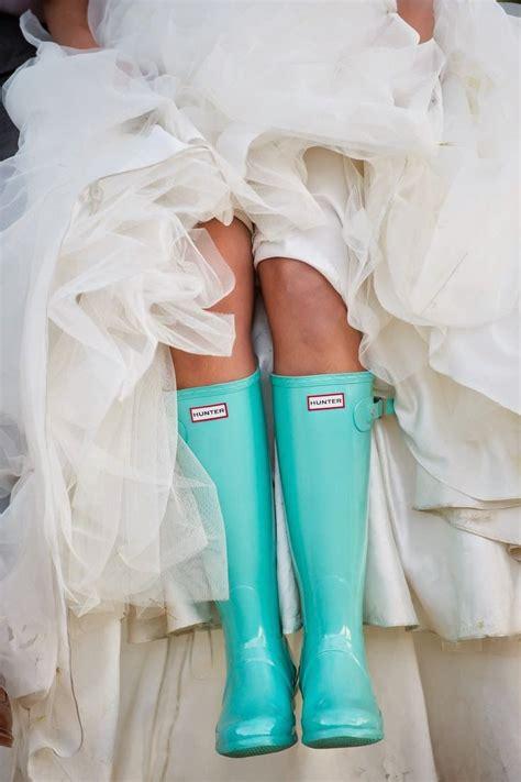 25 best ideas about rainy wedding pinterest rain wedding photos and