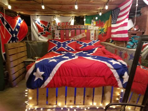 rebel pallet bed  pallets