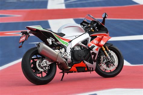 Rsv4 Rf Image by Aprilia Rsv4 Rf Limited Edition With Winglets Unveiled