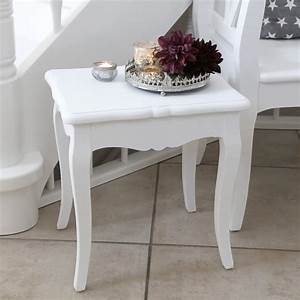 Beistelltisch Weiß Landhaus : kleiner beistelltisch marie wei im landhausstil mit ~ Watch28wear.com Haus und Dekorationen