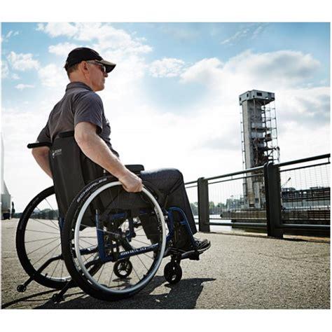 fauteuil roulant pliant ultra l 233 ger helio a7 motion composites la maison andr 233 viger