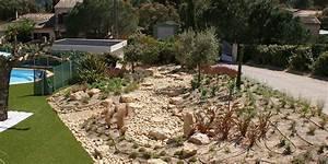 modle jardin paysager cool modele de jardin paysager With beautiful exemple d amenagement de jardin 8 bassin leos paysages
