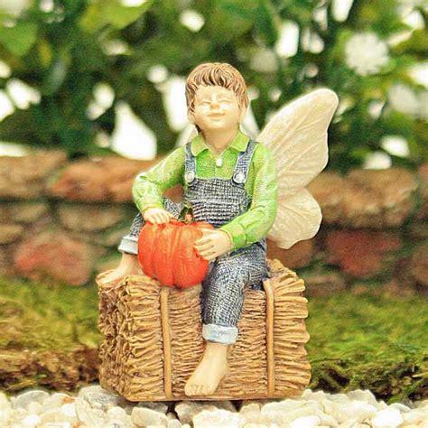jacob pumpkin and hay bale miniature figure