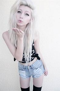 Scene hair wavy and blonde | Colored Hair | Pinterest | My ...