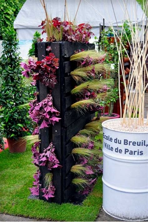 Backyard Gardens Ideas by 21 Vertical Pallet Garden Ideas For Your Backyard Or Balcony