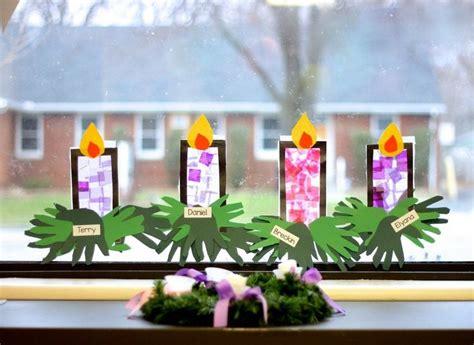 weihnachtsfenster dekorieren mit kindern adventskranz