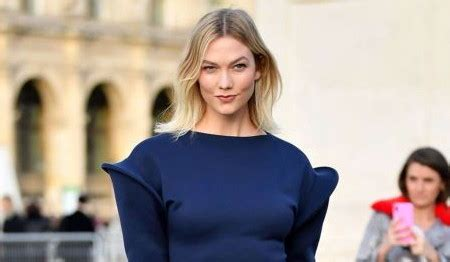Karlie Kloss Shines Blue For Louis Vuitton Show During