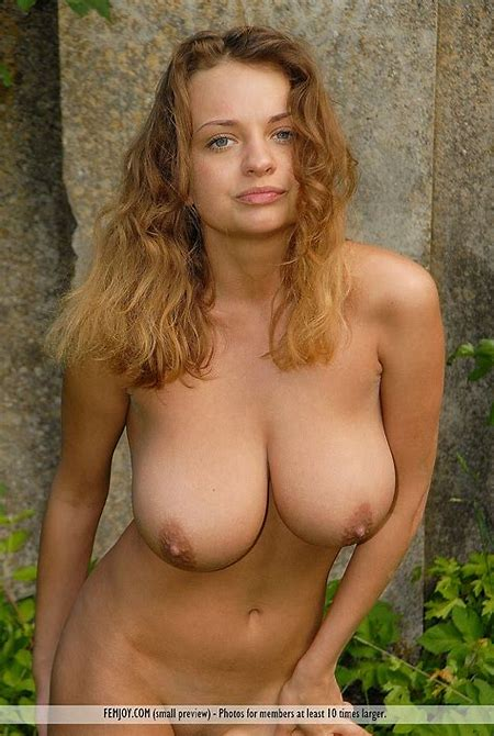 Free gallery of busty Ukrainian babe Anastasia