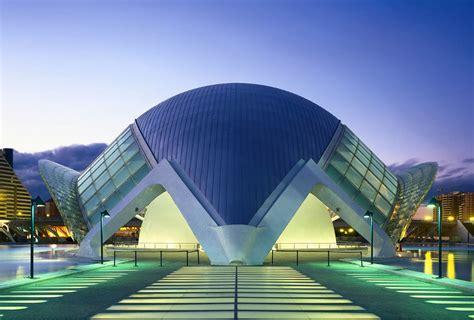 lhemisferic  eye catching architectural masterpiece