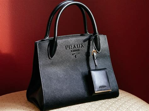 loving  functional  incredibly chic  prada monochrome bag stole  heart purseblog