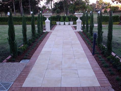 Gold Coast Paver Garden Edging