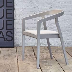 Tonne Aus Holz : one stuhl ton aus holz mit armlehnen stapelbar mit sitz aus holz oder mit gepolstertem sitz ~ Watch28wear.com Haus und Dekorationen