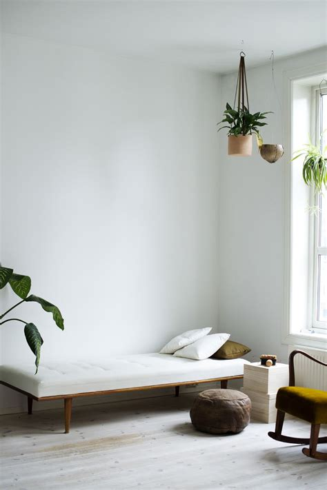 Minimalist Bedroom Diy by Diy Dagseng Hos Charlott Pettersen Home Inspiration